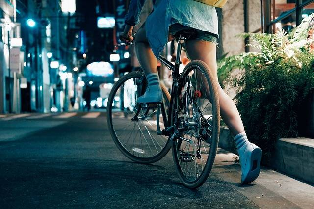 Biking To Work - 7 Helpful Tips For First Time Bicycle Commuters