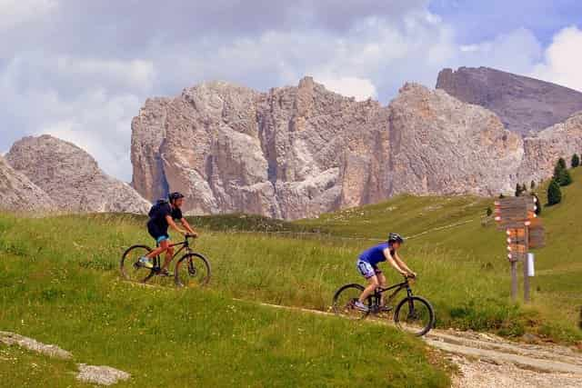 Are Hybrid Bikes Better Than Mountain Bikes? | Find Your Perfect Bike