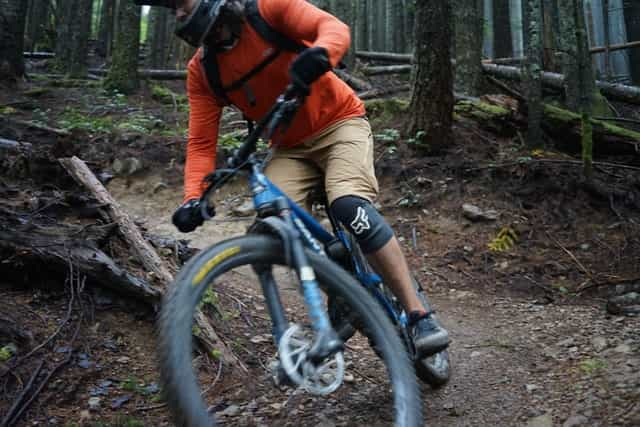 Why Everyone Wear Mountain Bike Gloves To Ride